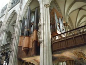 大聖堂のパイプオルガン